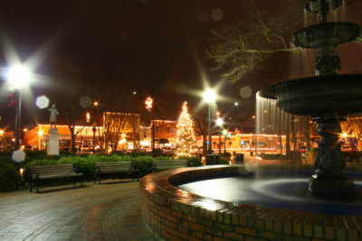 square_fountain_christmas